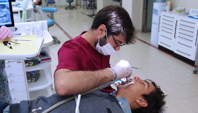 tratamiento ortodoncia con paciente